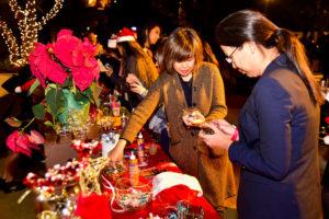Innovate-Marketing-Group-Blog_Holiday-Party-Event-Ideas-Ornament-Making_innovatemkg.com